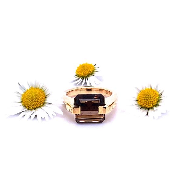 Rauchquartz facetiert in gelbgold Ring